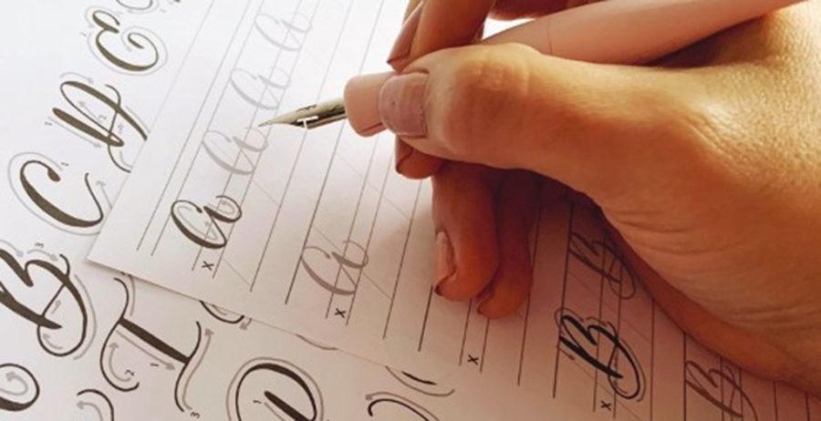 Talleres ciudadanos para practicar la caligrafía